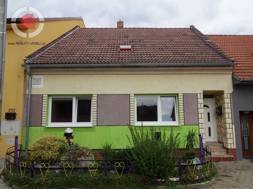 Prodej rodinného domu 3+1 ve Veselí n.M., 198 m2