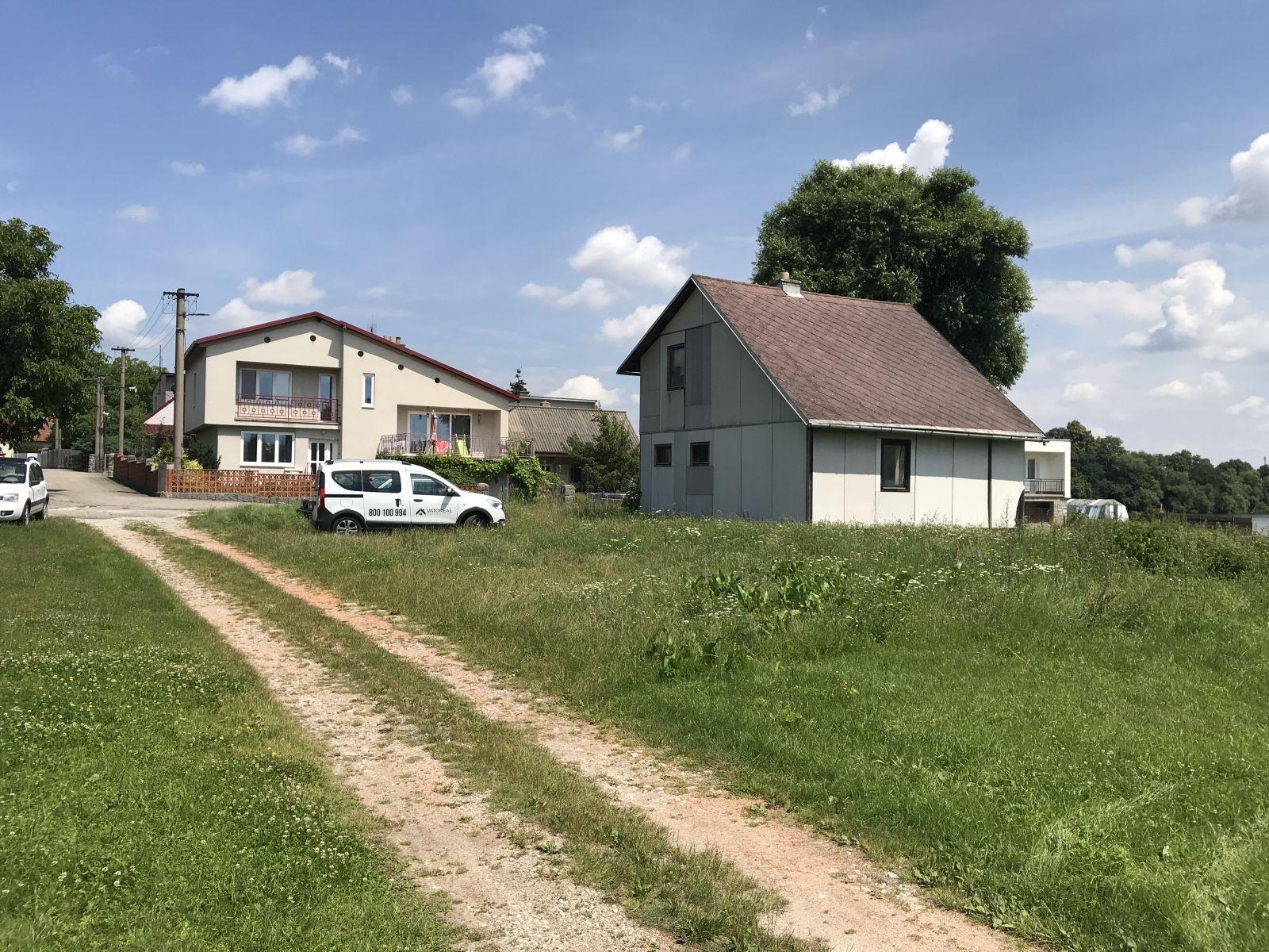 Nabízíme k prodeji pozemek v obci Vlkov, okres Žďár nad Sázavou