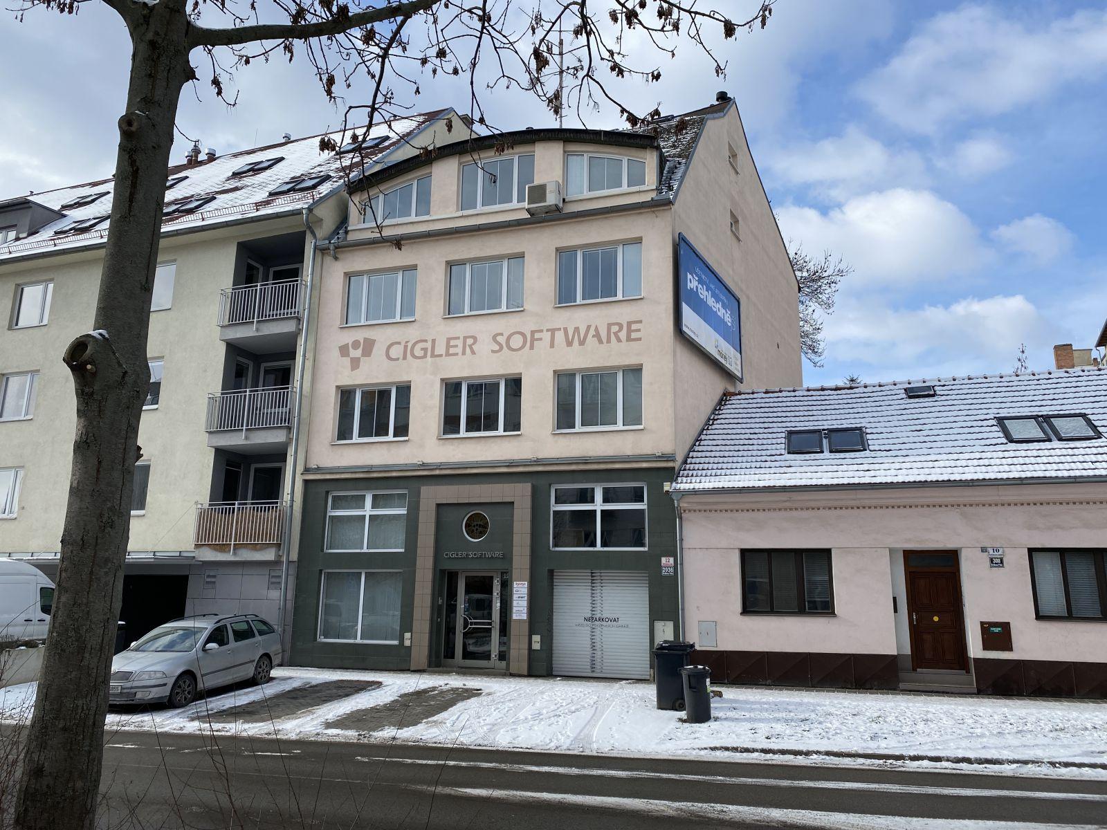 Nabízíme k pronájmu řadový dům v Brně, Rostislavovo náměstí