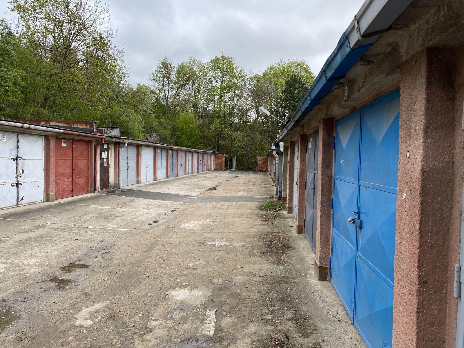 Nabízíme k prodeji garáž, Brno - Lesná.