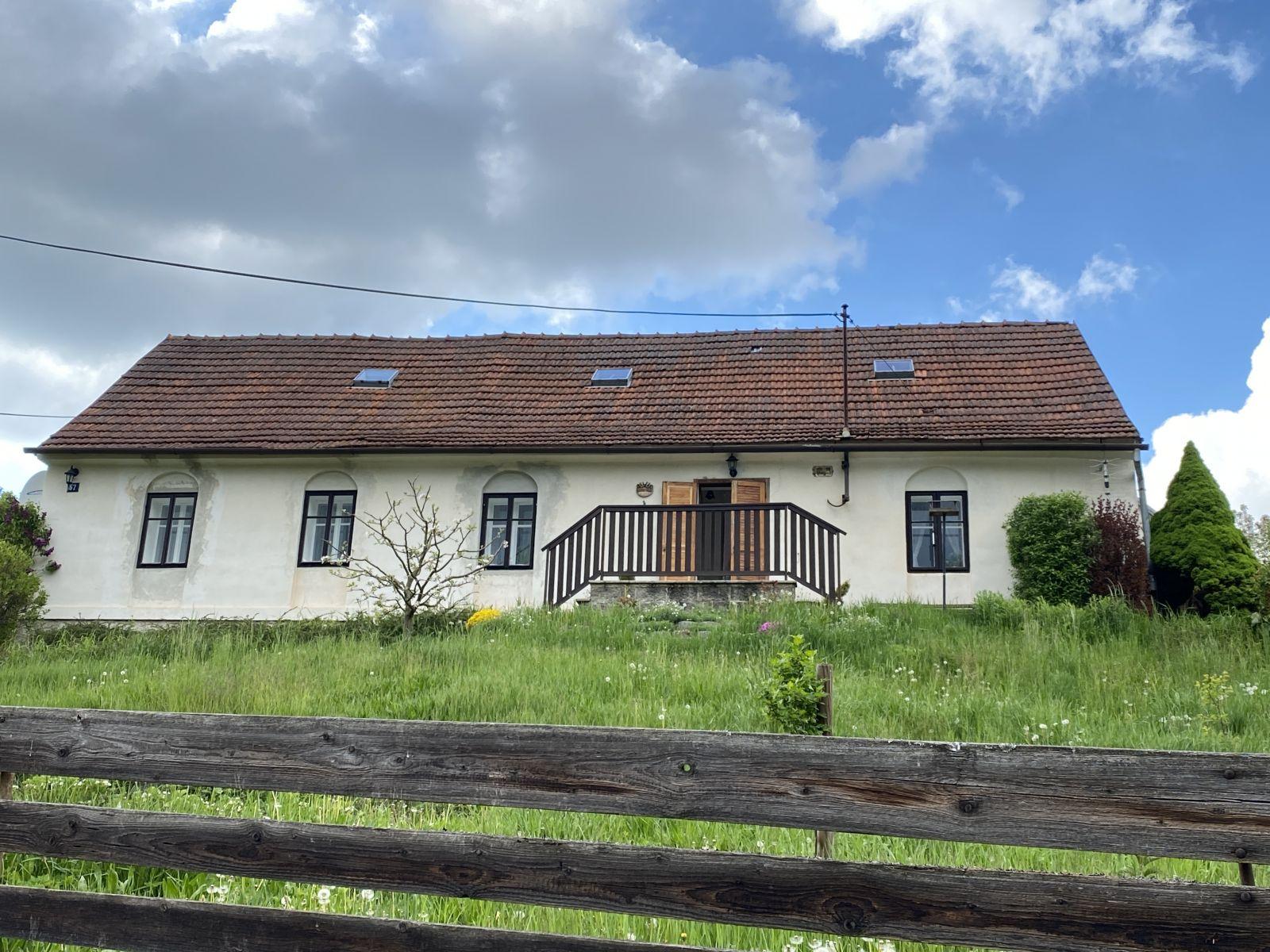 Nabízíme k prodeji rodinný dům v obci Kladoruby