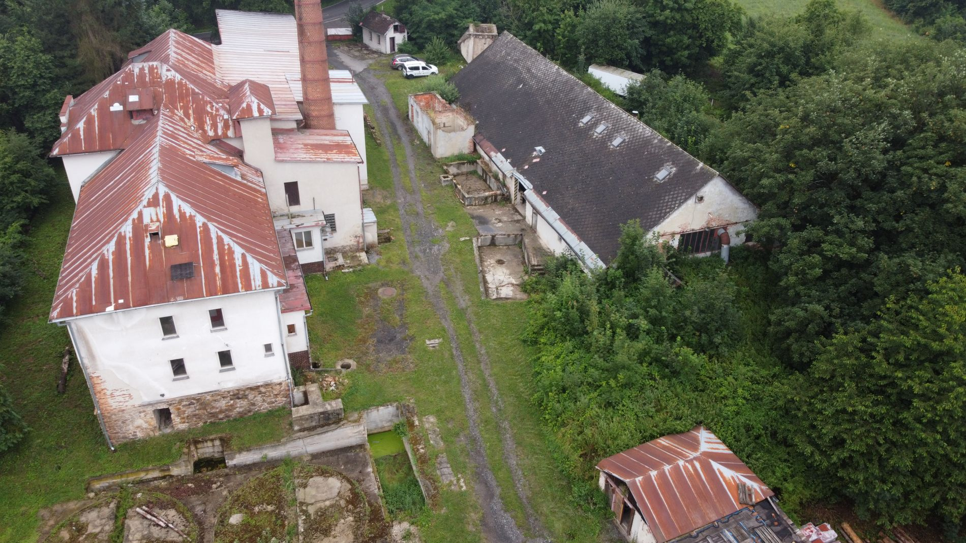 Nabízíme k prodeji areál bývalého lihovaru v obci Radešín, okres Žďár nad Sázavou