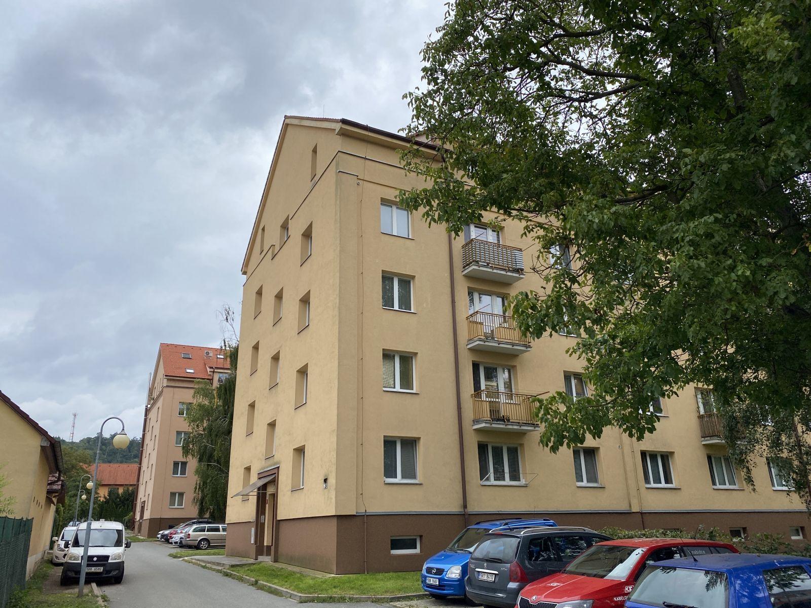 Pronájem bytu 3+1 v Kuřimi na ulici Školní