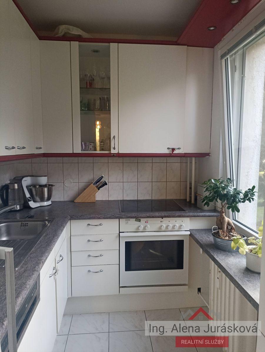 Pronájem bytu 3+kk,  64 m2, Kubíkova, Praha 8 - Kobylisy