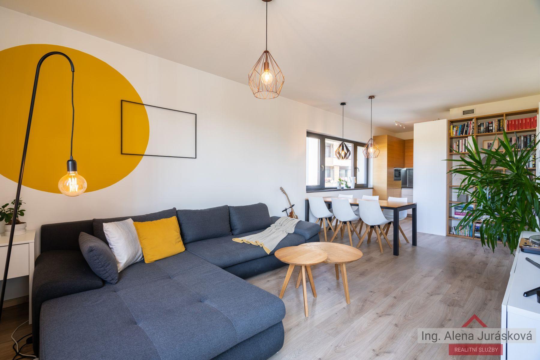 Byt 3+kk, 76 m2, balkon, sklep, garážové stání, Praha 10, Malešice, Marcího