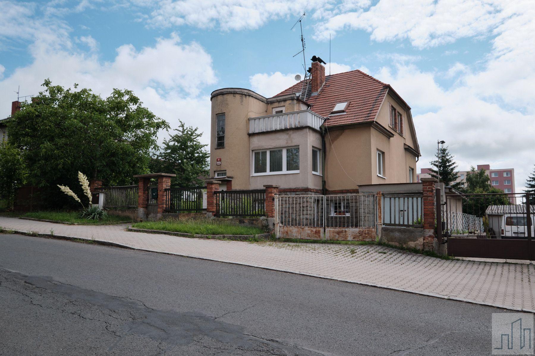 Prodej ideálního spoluvlastnického podílu 1/2 na RD se zahradou v Plzni