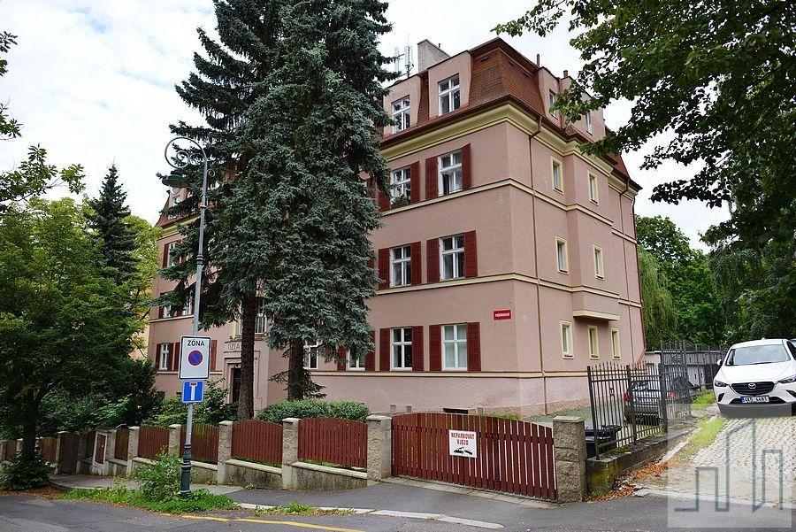 Prodej krásného bytu 4+1 na skvělé adrese v Karlových Varech