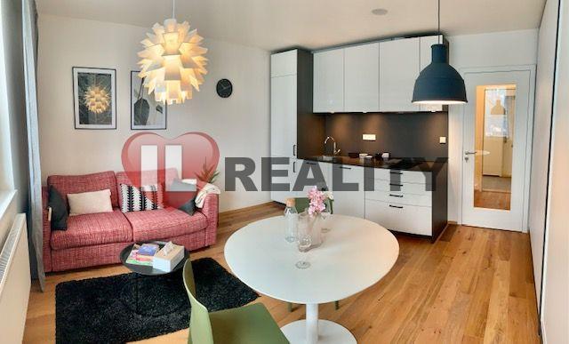 Prodej bytu 1+kk, Praha - Vinohrady, po rekonstrukci, dokončení 2021