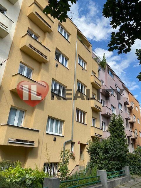Prodej bytu 2+kk, os.vl., ul. Biskupcova, Praha - Žižkov, sklep, balkón