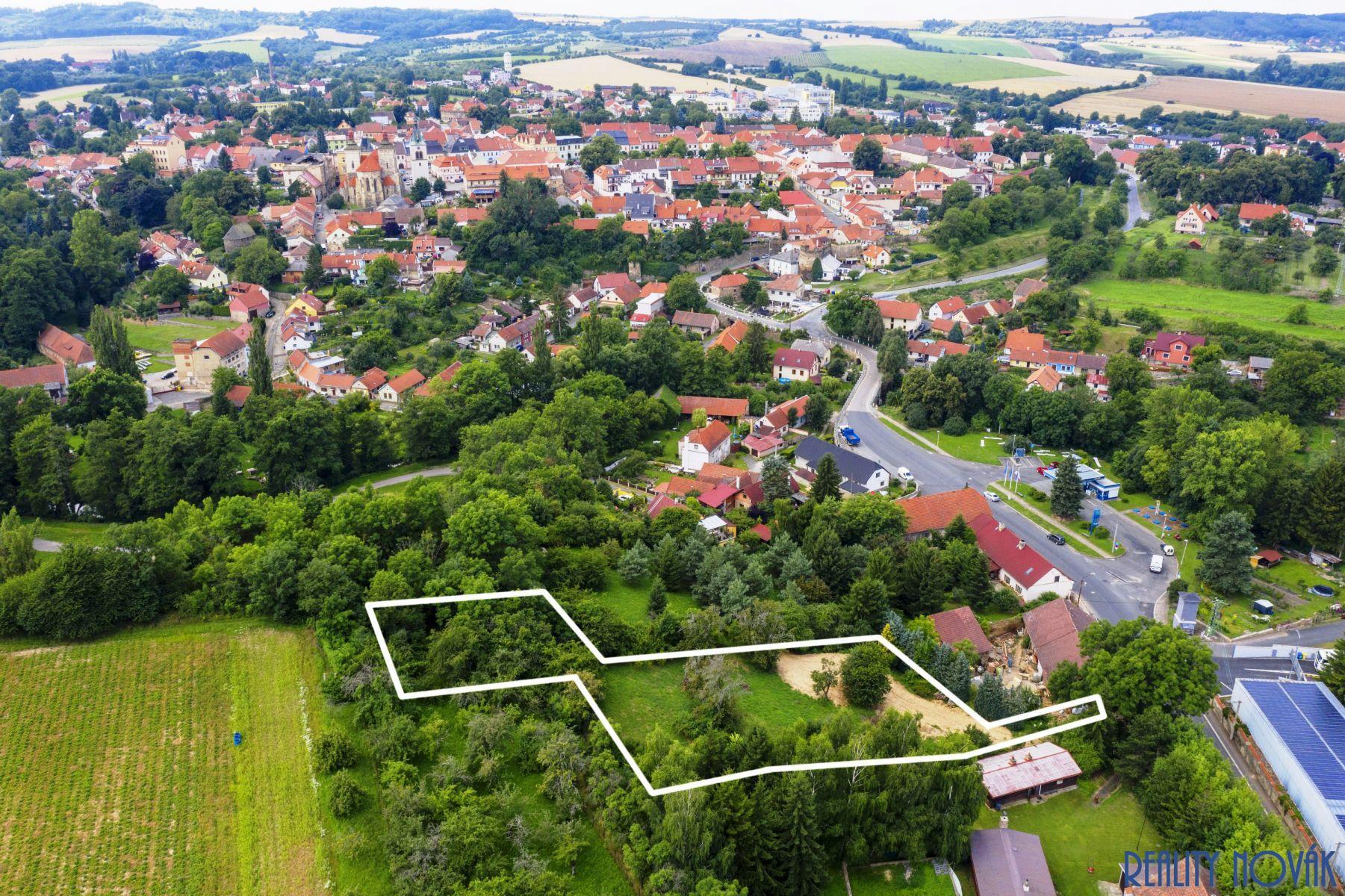 Prodej pozemku na stavbu několika rodinných domů, Kouřim, okr. Kolín