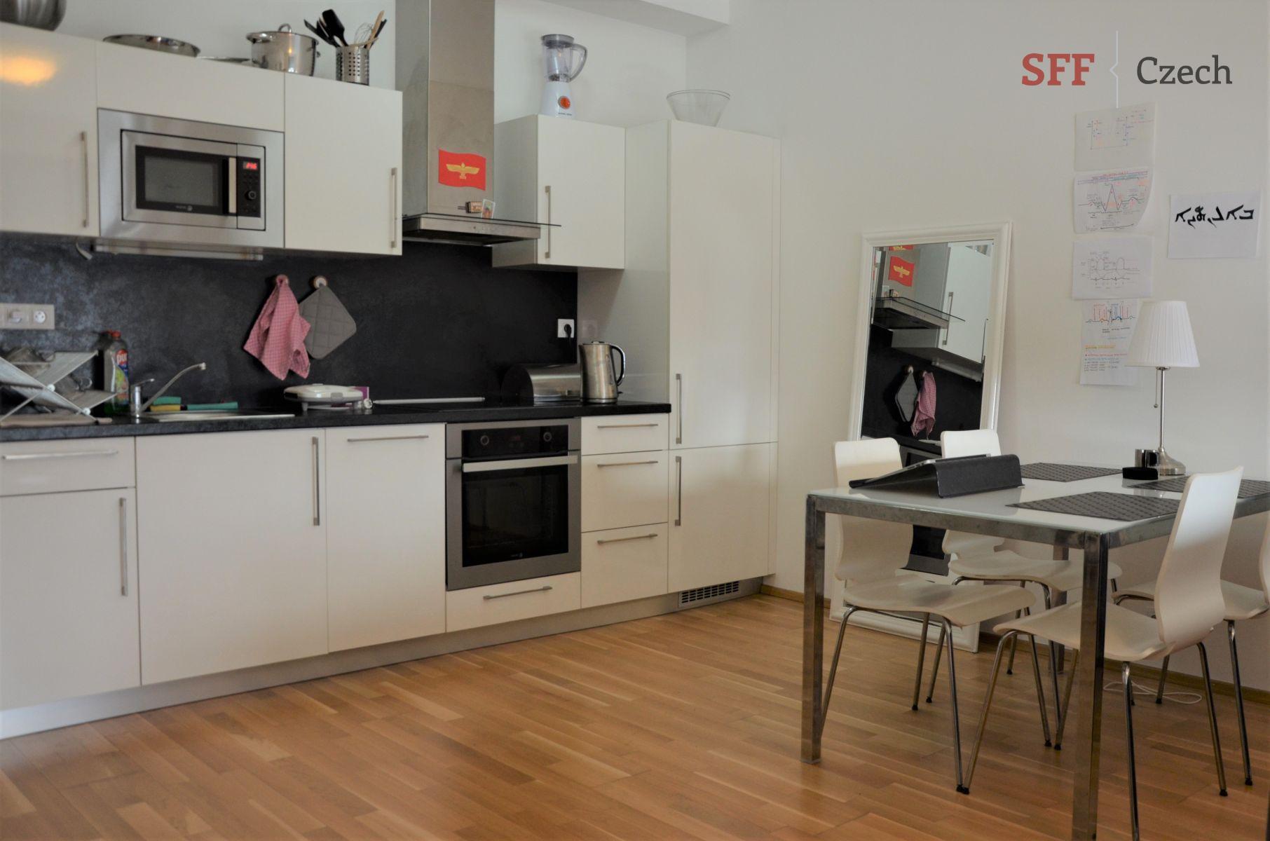 Vybavený moderní byt 1+kk k pronájmu, residence Korunní Praha Vinohrady