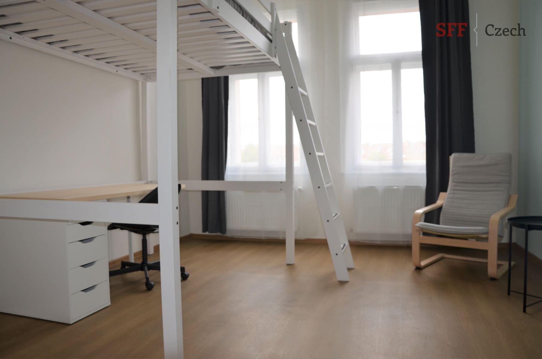 Hezký nový vybavený pokoj v centru Prahy blízko I.P. Pavlova ve sdíleném bytě
