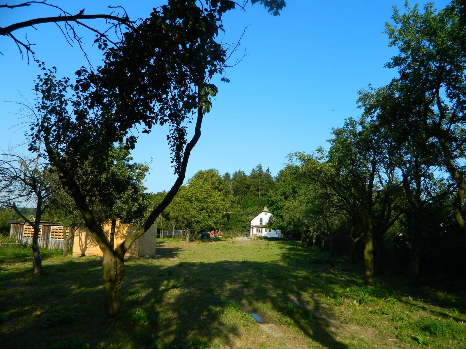 Prodej krásného, rovinatého staveb.pozemku v obci Velké Kunětice, část Strachovičky)