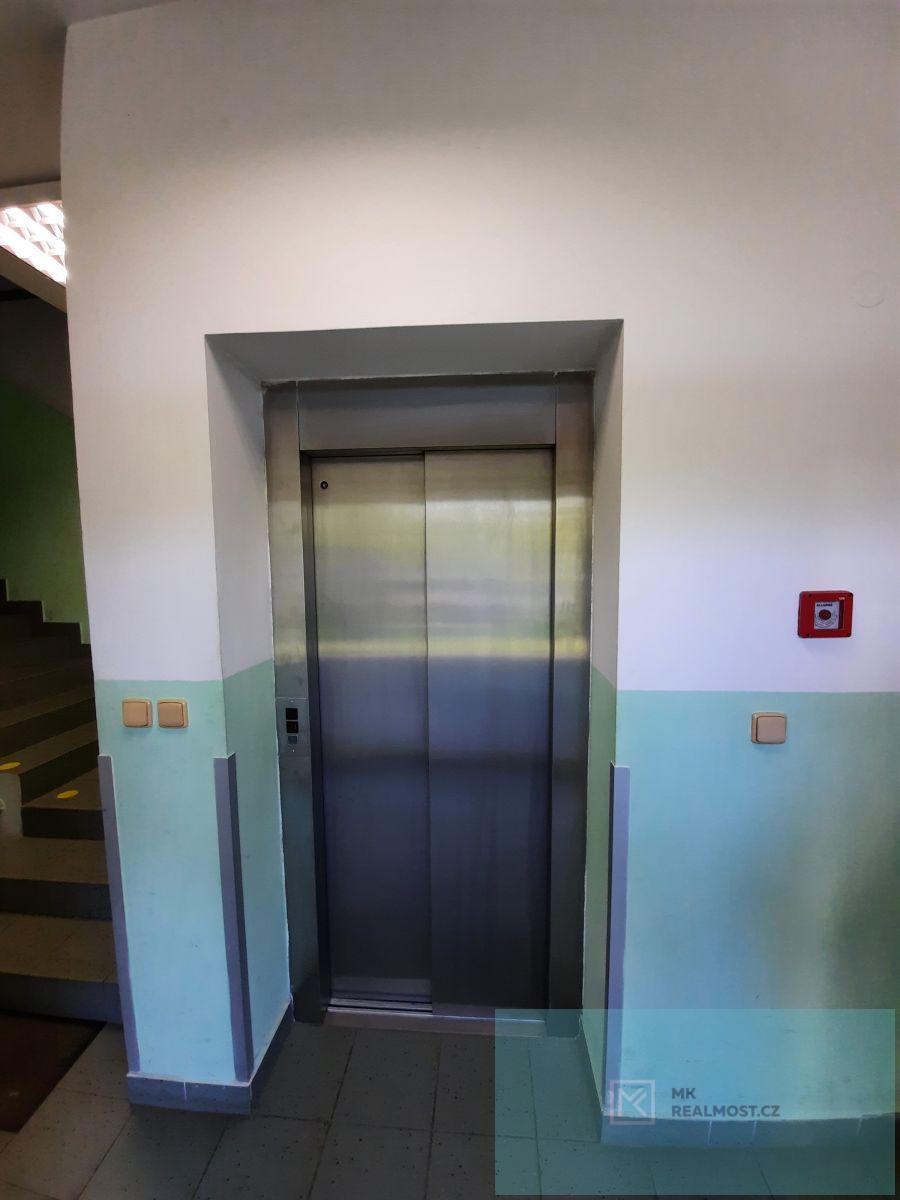 Pronájem, kancelářské prostory 55,5m2, OV, Most, ul. Lipová