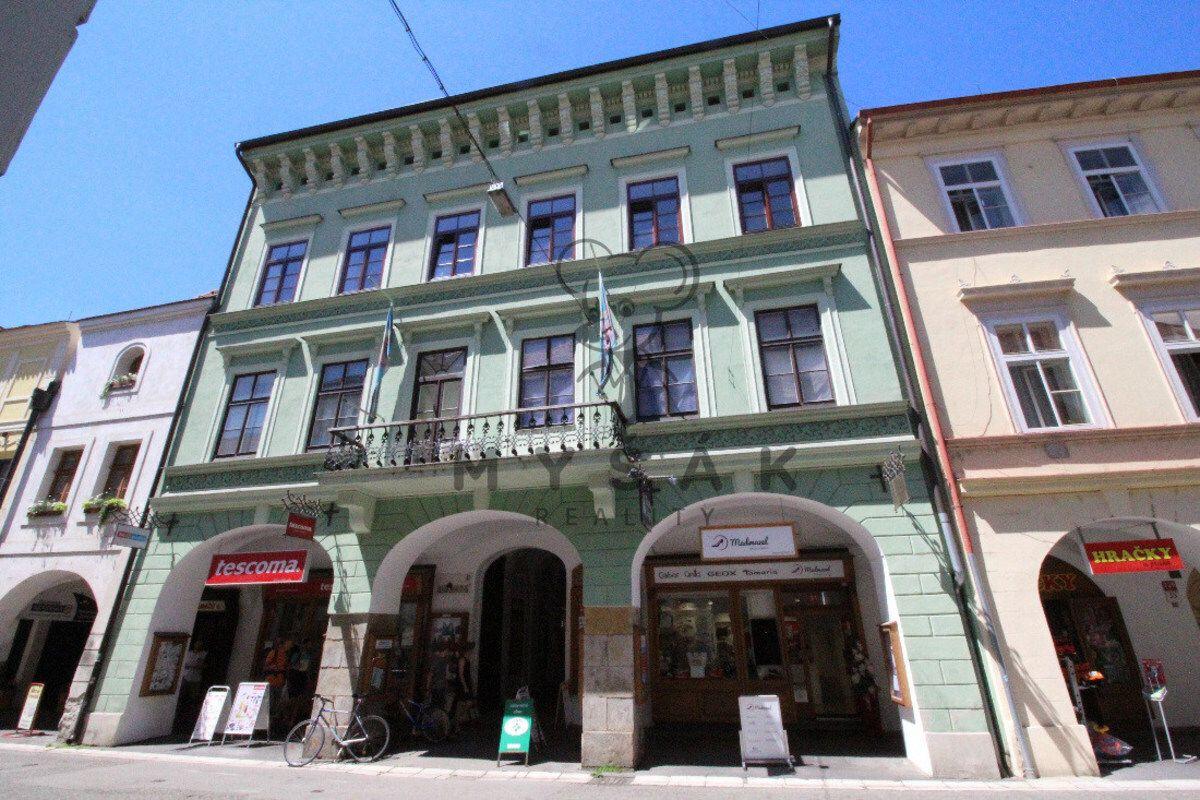 Samostatná kancelář 36 m2 v Krajinské ulici,  v centru Českých Budějovic