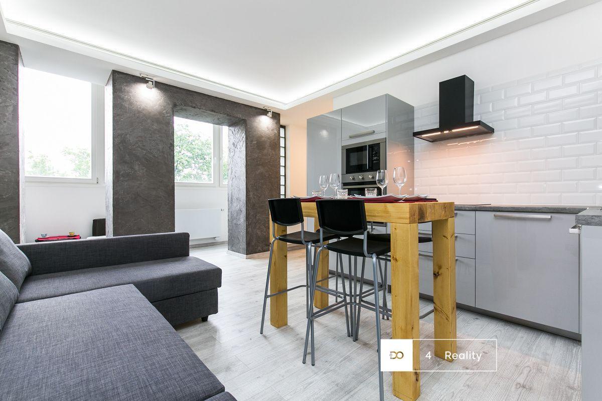 Pronájem atraktivní bytové jednotky 2+kk, 52 m2, Praha 3 - Cimburkova