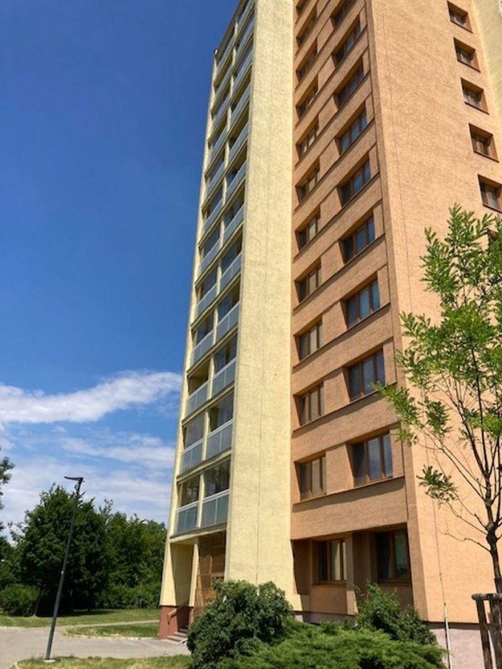 E-aukce družstevního bytu 1+kk o výměře 30 m2, kat. území Moravská Ostrava, okres Ostrava