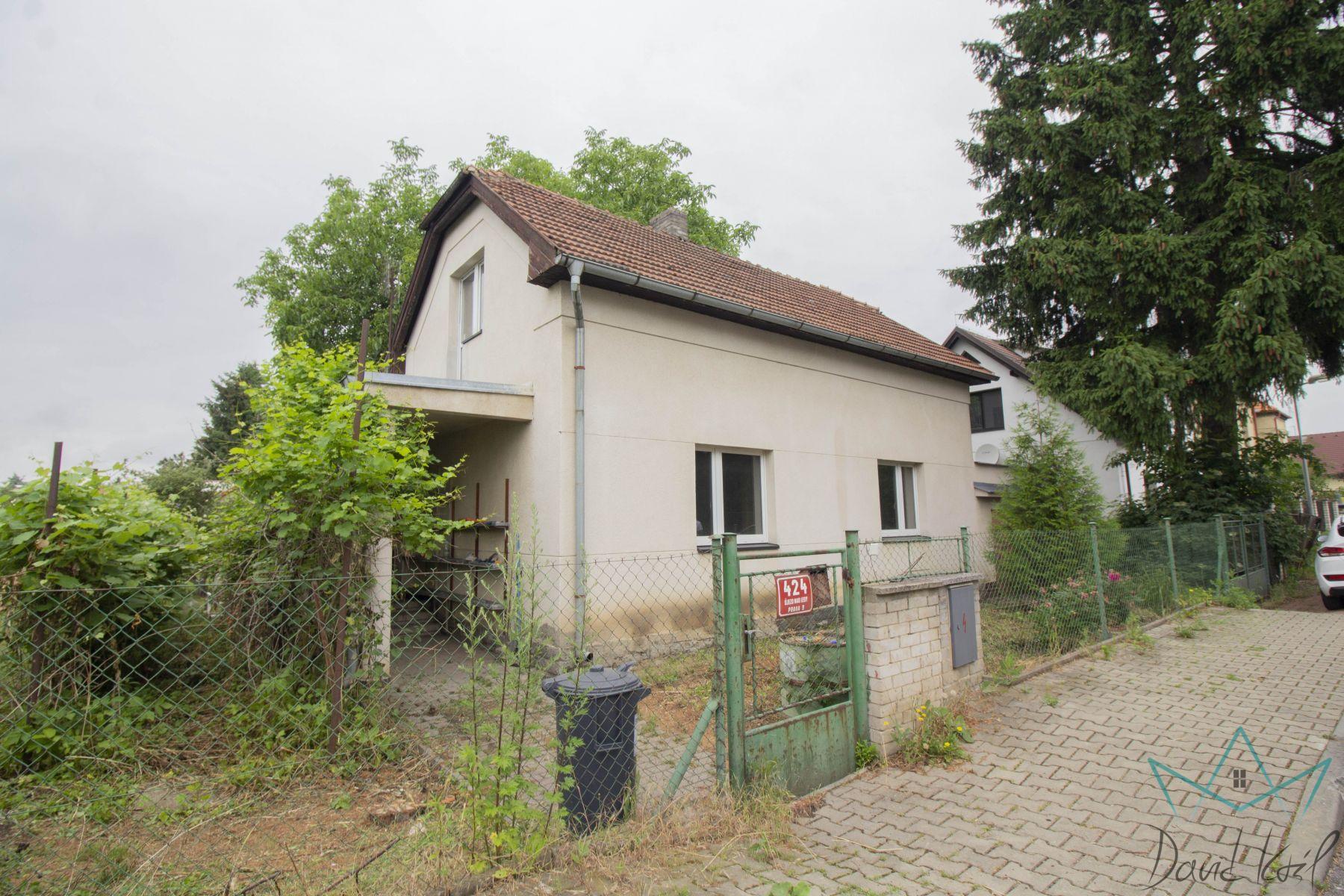 Dům k rekonstrukci v Újezdu nad Lesy