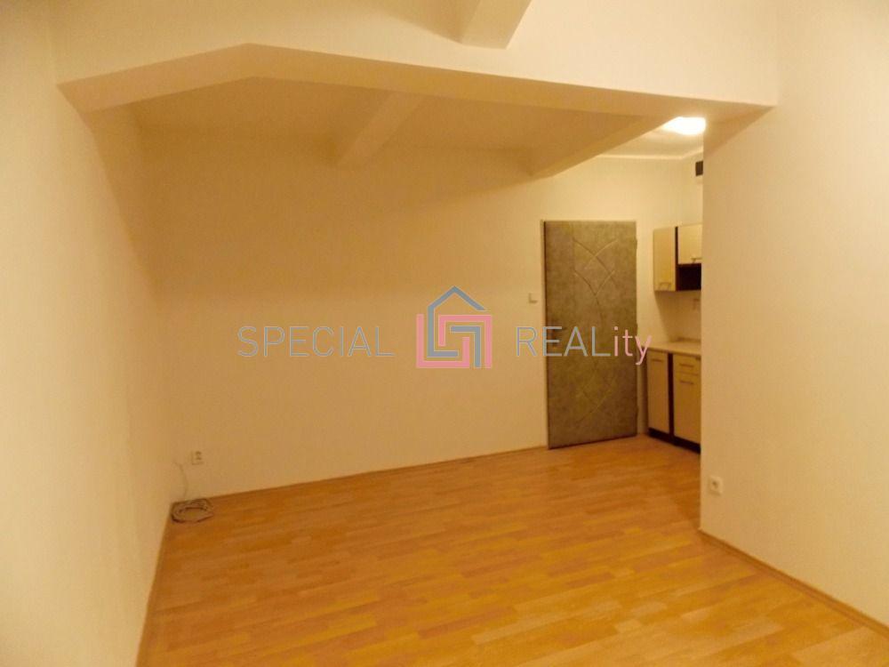 Pronájem bytu 1+kk, 25 m2, ul. Chittussiho, Slezská Ostrava