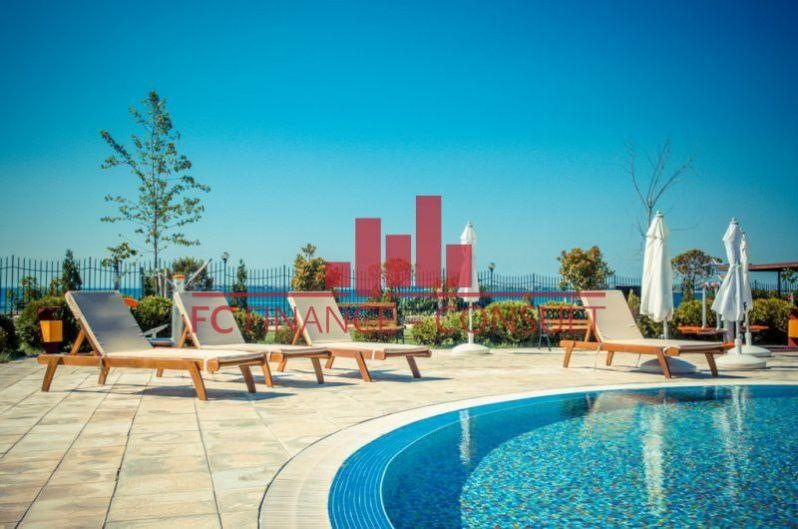 Apartmán 2kk na pláži s velkým bazénem, na splátky, Sveti Vlas , Bulharsko