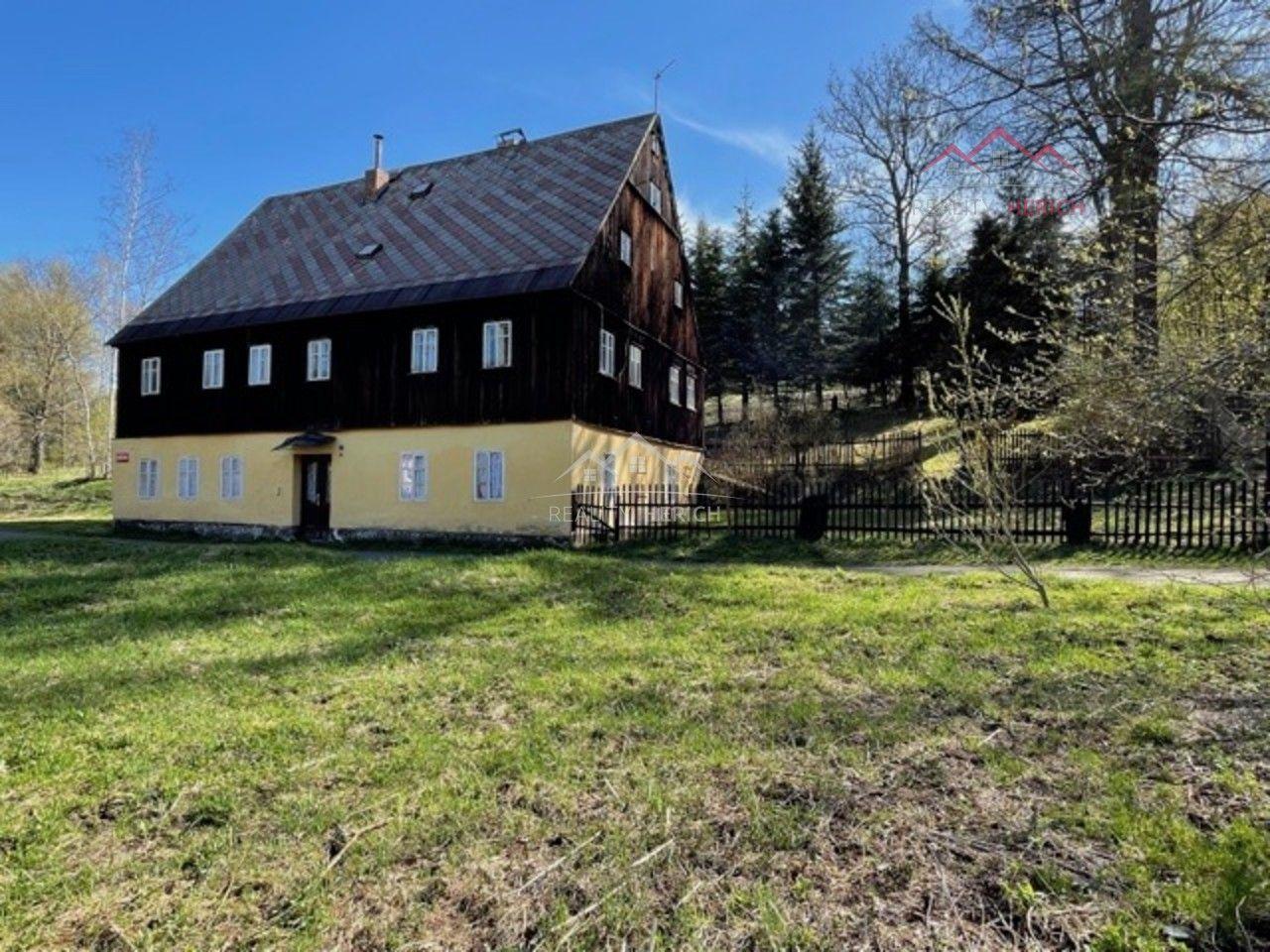 Exkluzivní nabídka RD 8+1/G (930 m2) Tyršova, Vejprty