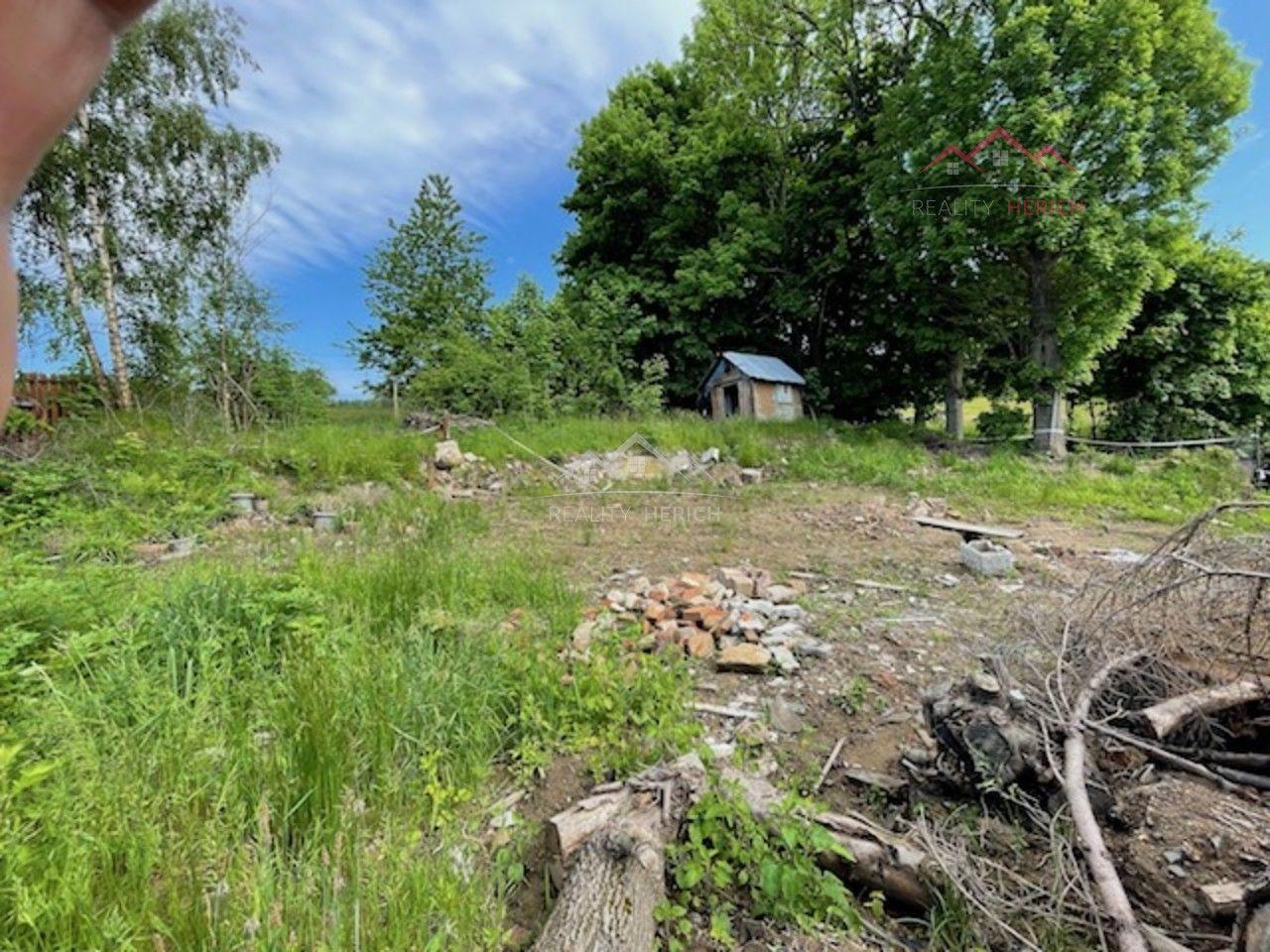 Exkluzivní nabídka stavebního pozemku (468 m2) Boleboř