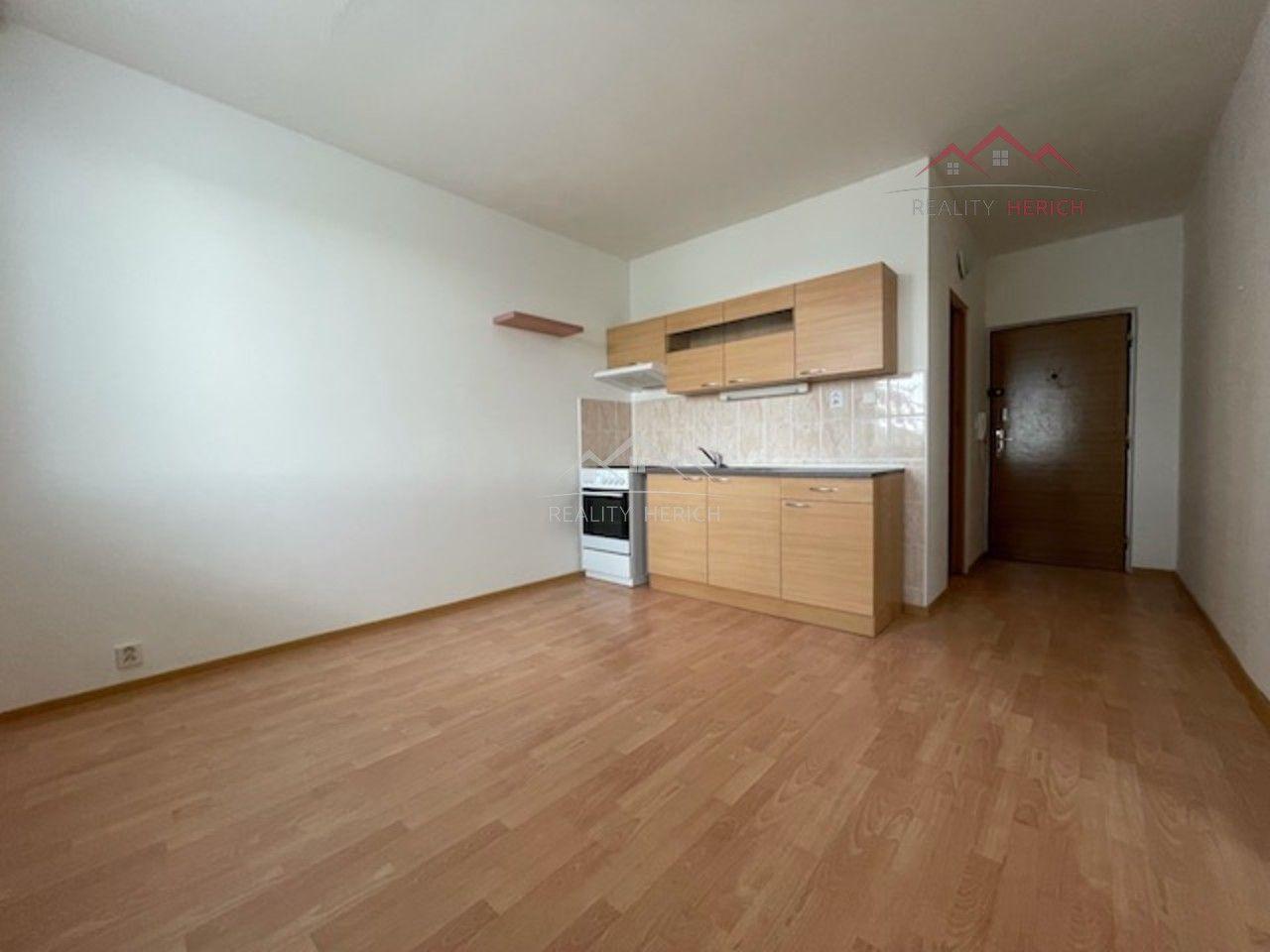 Pronájem bytu 1+1 (36 m2) Písečná, Chomutov