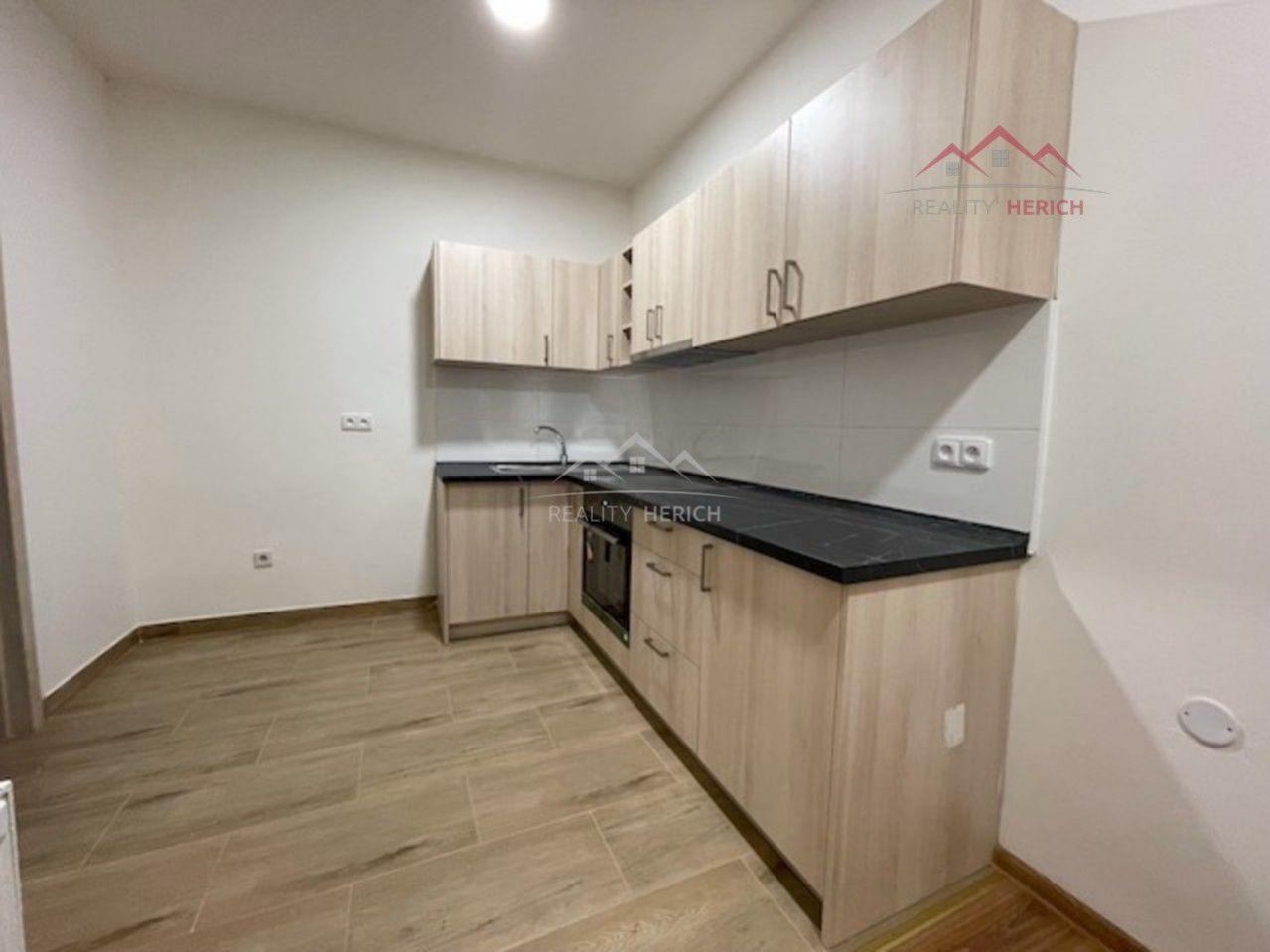 Exkluzivní pronájem bytu 2+1 (70 m2) Ruská, Chomutov