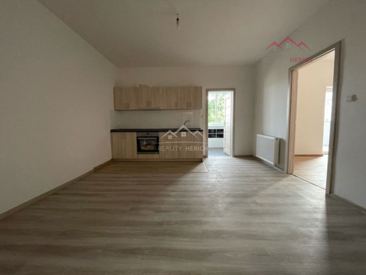 Exkluzivní pronájem bytu 1+1/L (43 m2) Ruská, Chomutov
