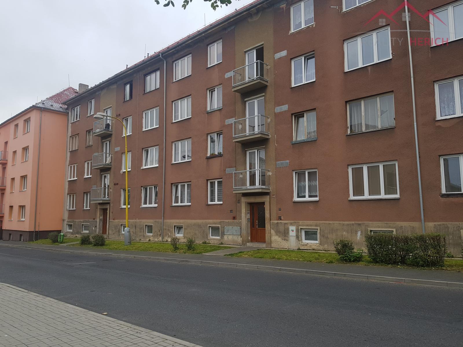 Pronájem bytu 2+1 s balkónem, 51 m2, ulice Karla Čapka, Jirkov