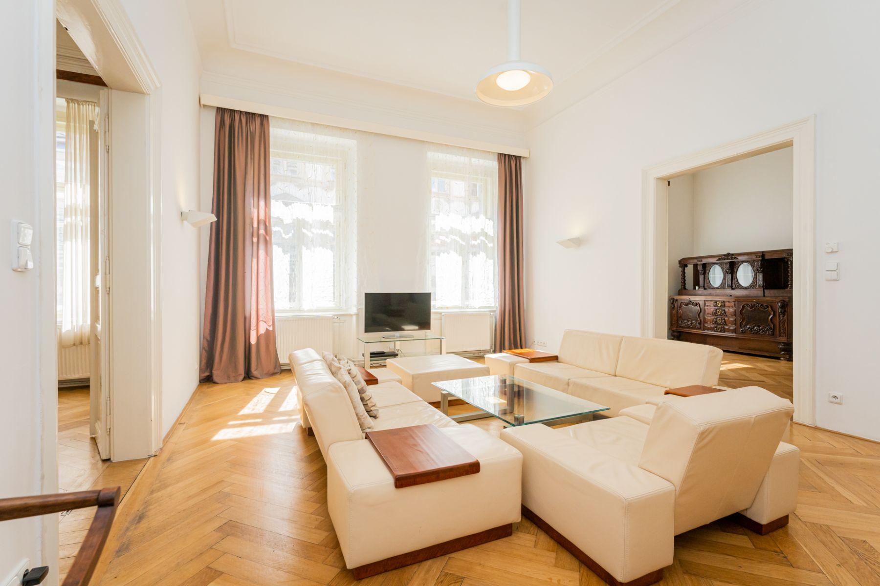 Pronájem zařízeného bytu 4+1, 144 m2, Praha 1 - Staré Město