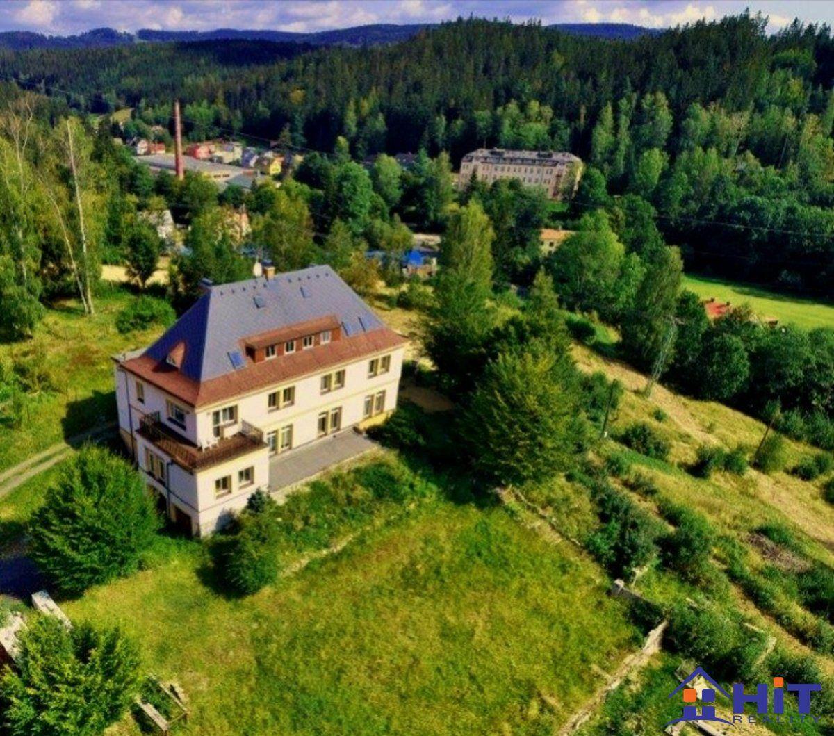 REZERVACE Vilový bytový dům na krásném místě v přírodě