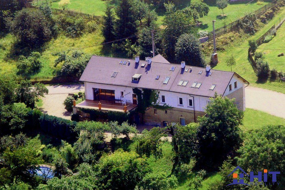 Vilový dům s bazénem - 735m2 v Českém ráji