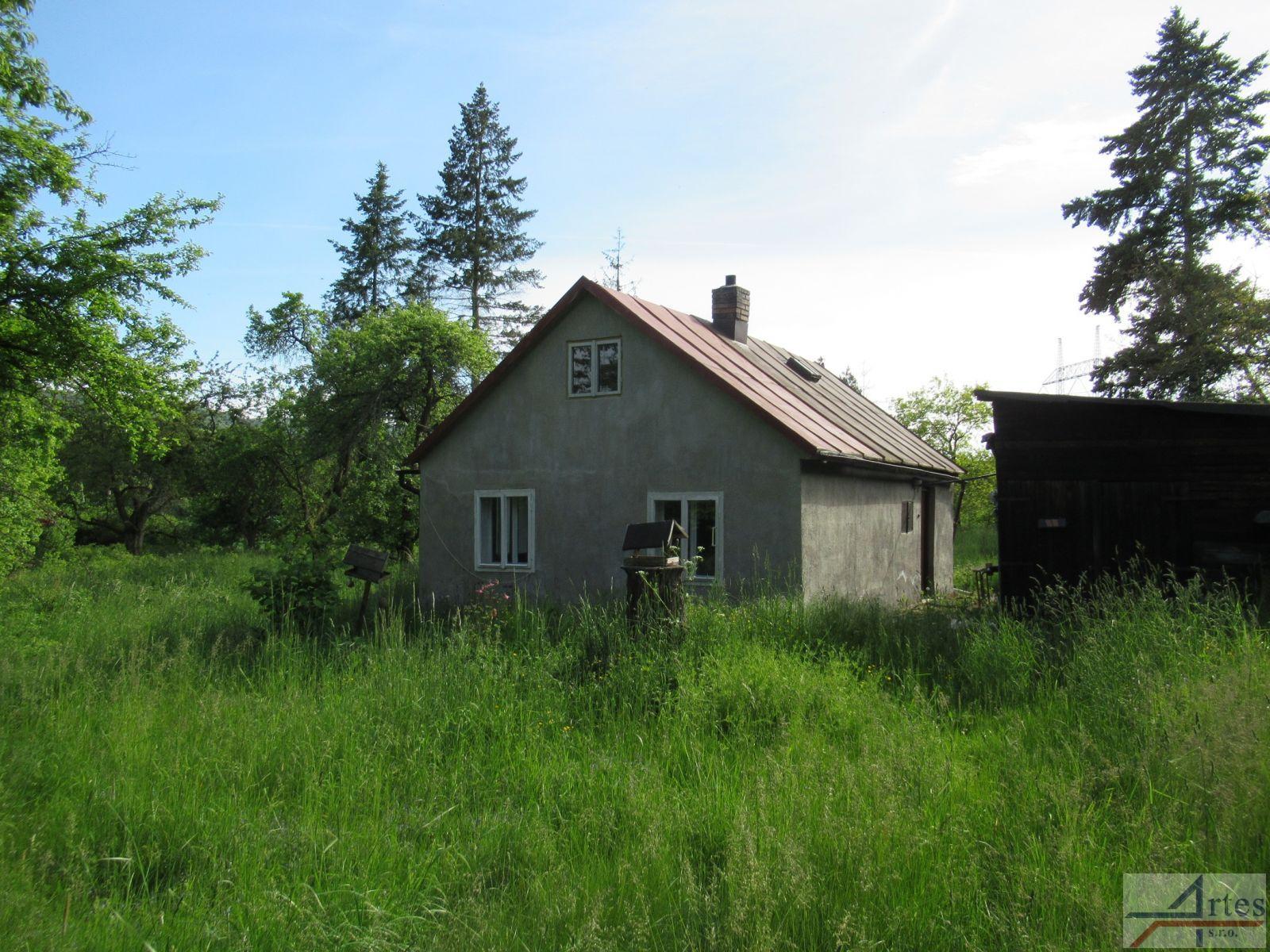 Exklusivní prodej rekreační chaty s velkým pozemkem 2127m2, Svinaře-Lhotka, okr. Beroun