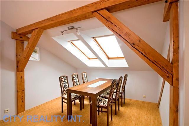 Krásný, moderně zařízený byt 3+1(102 m2) u metra Anděl, P - 5
