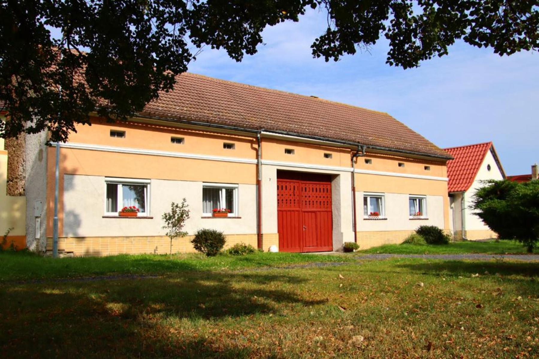 Rodinný dům-zemědělská usedlost Třtěno