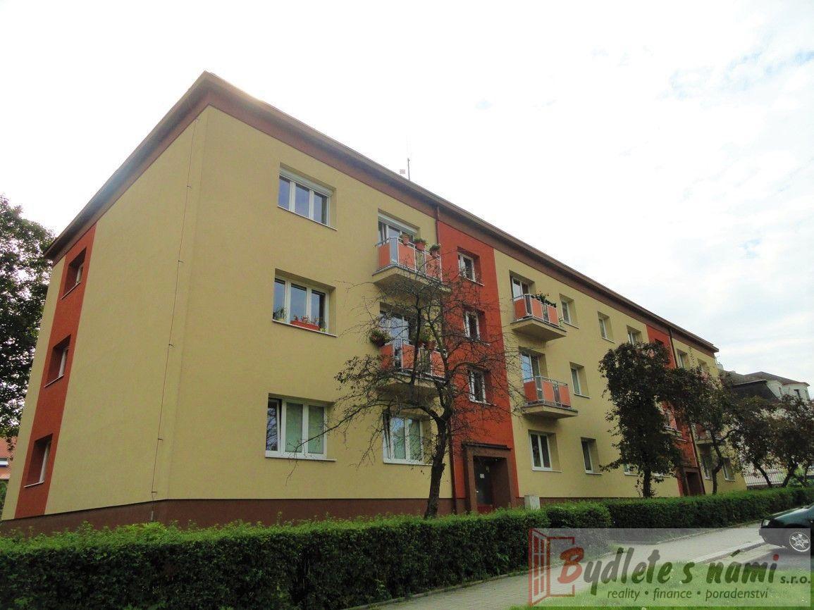 Exkluzivně-Atraktivní byt 3+1+balkón a francouzské okno, ul.Čsl.armády 339 v Mostě-85 m2