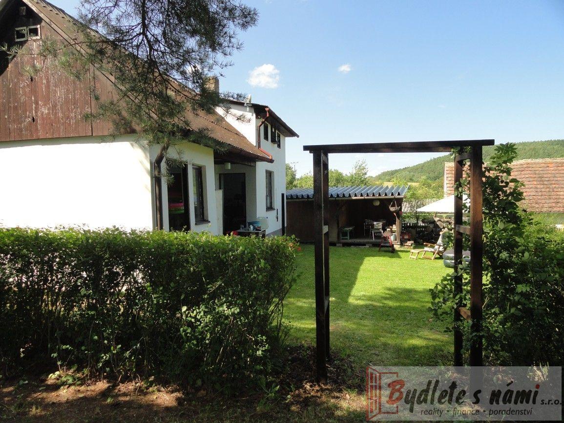 Exkluzivně-Atraktivní Chata v Babině u Plas-Plzeň sever + pozemek 1889 m2