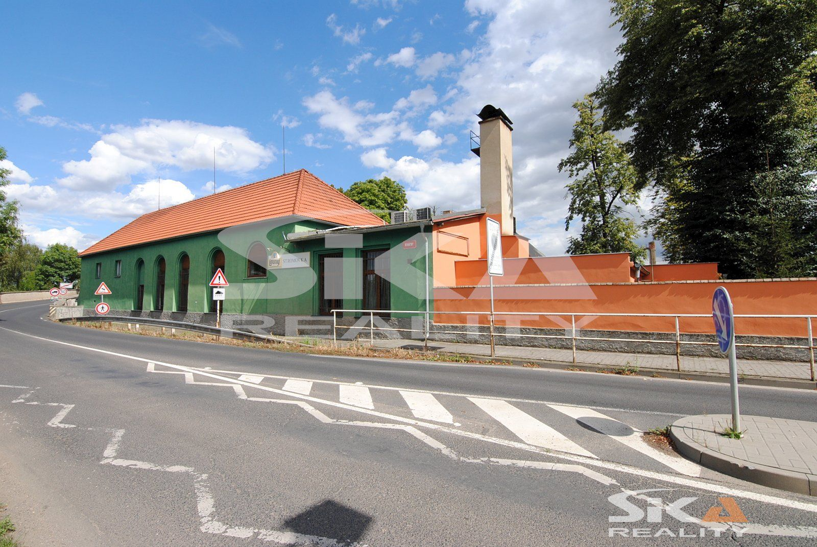 Prodej zavedené restaurace Stromovka, 5372 m2