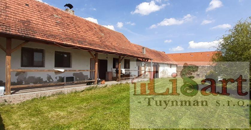 Lipovice - Jižní Čechy, prodej chalupy 2+1, stodola, dvůr a zahrádka